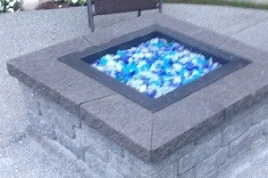 Outdoor-Fireplace-Black-Diamond